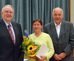 Auszeichnung Christina Schmelz mit der GutsMuths Ehrenplakette in Bronze