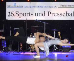 Die Paar-Akrobatik zeigte Kraft, Balance und Eleganz.