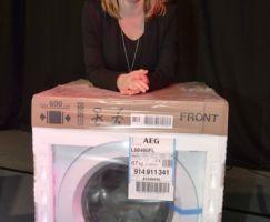 Die nagelneue Waschmaschine, von EP Eletrik Vacha gestiftet, erhielt Jennifer Bohaboi.