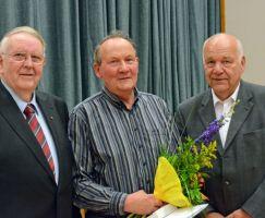 Auszeichnung Erhard Fink mit der GutsMuths Ehrenplakette in Gold