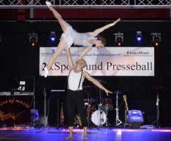 Akrobatik der Extraklasse zeigten Nik und Valentina.