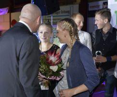 Das Langlauf-Duo Nathalie Möller und Anna Lorenz (WSV Steinbach) konnten sich über Platz 2 freuen.