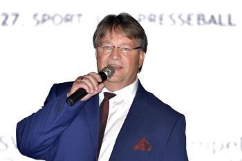 Moderator Volker Weber